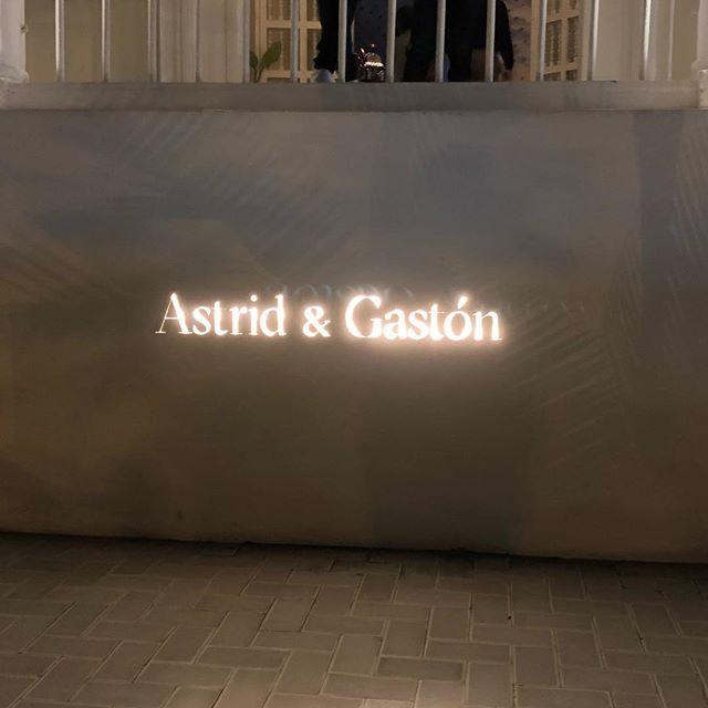 Astrid y Gaston main entrance